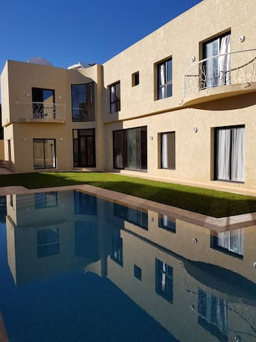 Magnifique Villa avec Piscine et SPA proche golfs