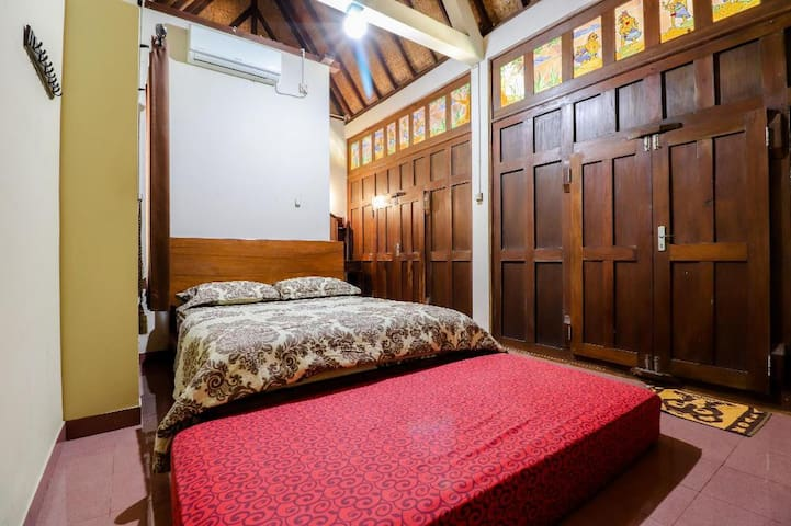 Comfy Traditional Stay at Pak Dhe Homestay