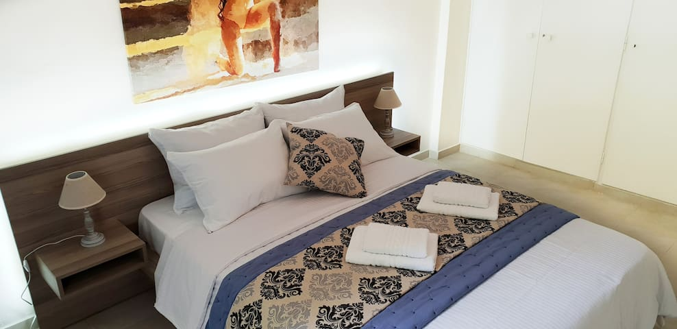 3 minutes walk to Acropolis, Stylish Apartment