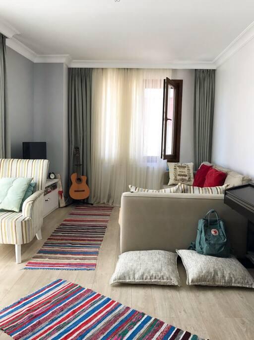 Livingroom with ikea manstad corner sofa