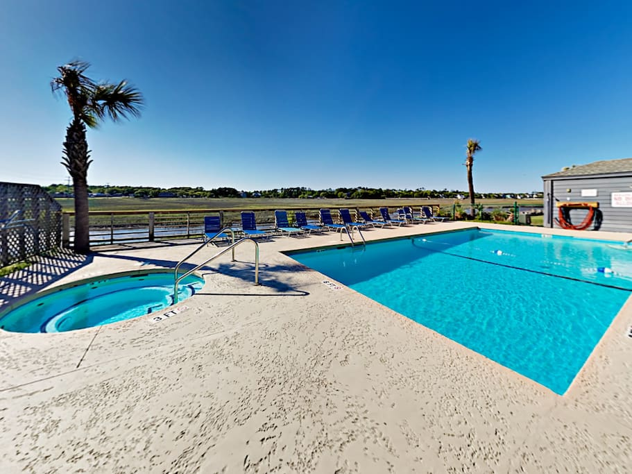 Take a dip in the shared pool and hot tub.