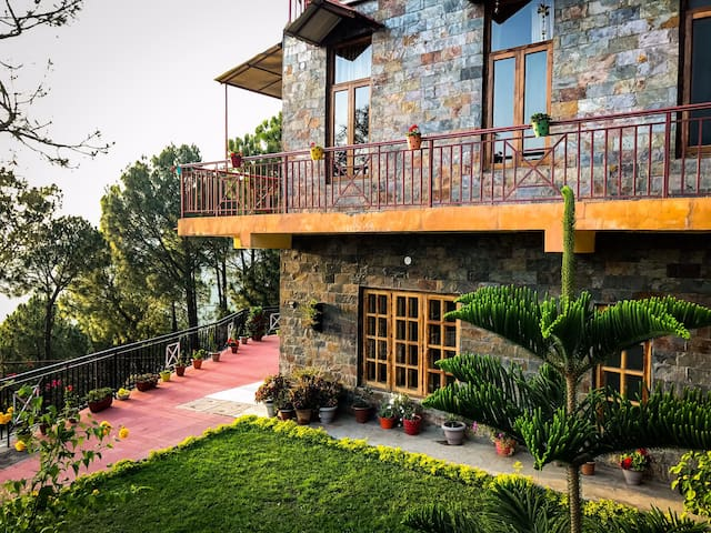 Santila, Countryside Homestay, Kasauli Hills