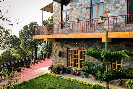 Santila, Countryside Home, Kasauli Hills