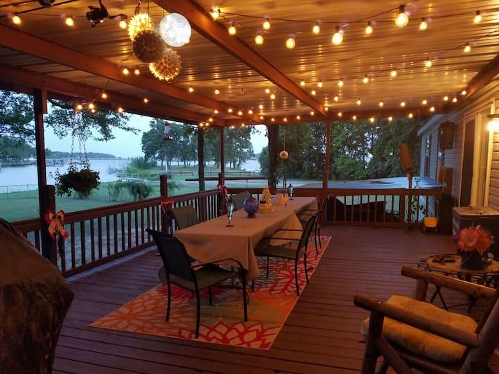 Livin the Dream on Cedar Creek Lake