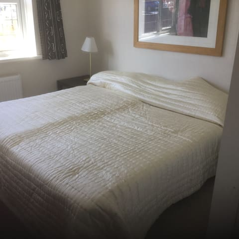 First floor 2 bed massonette with garden &parking - Sutton Coldfield - Wohnung