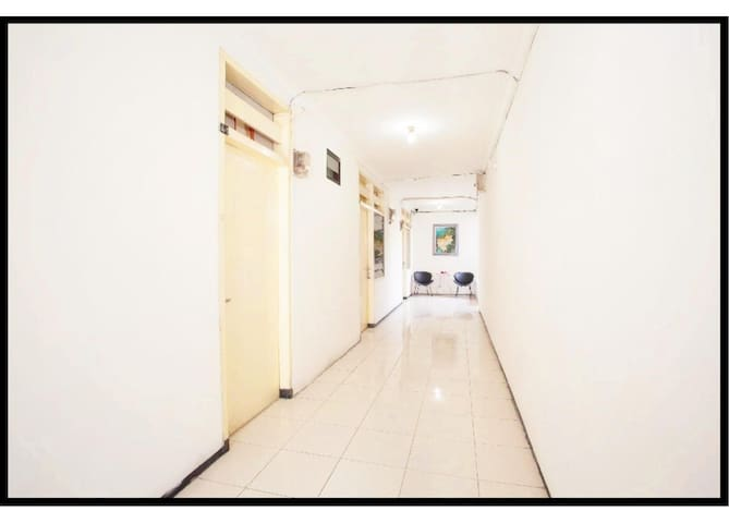 OYO 143 Dukuh Kupang Residence3