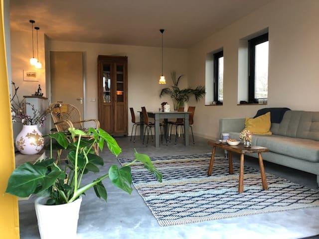 Het Broekhuisje Breda (B&B, vakantiehuisje)