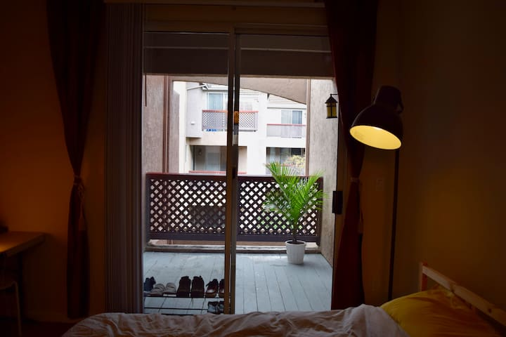 Private Entrance, Master Bedroom, Friendly Host - Fremont - Apartament