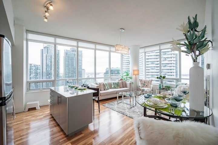 Beautiful 2BD+2Bth +Pkg with 10ft Ceiling