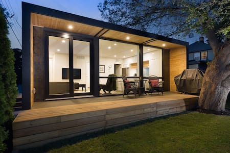 Central & Modern Shipping Container Carriage Home - Kelowna