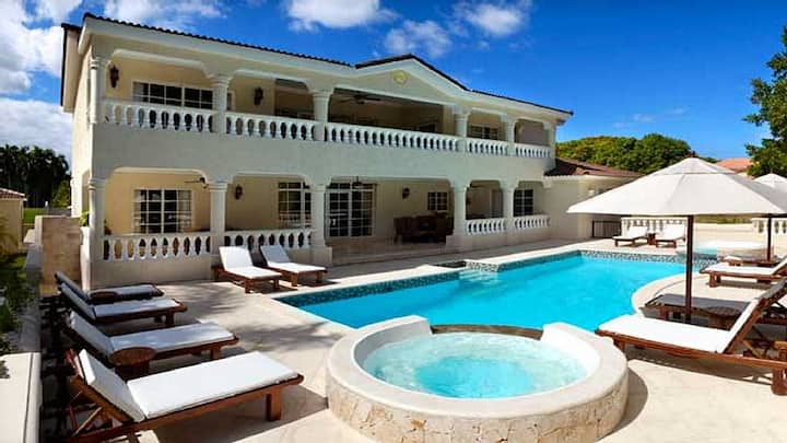 5 Bedroom Villa in Puerto Plata-Lifestyles Resort