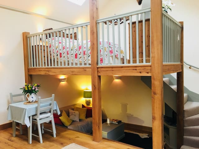 Beautiful countryside Cider Barn annexe - sleeps 2