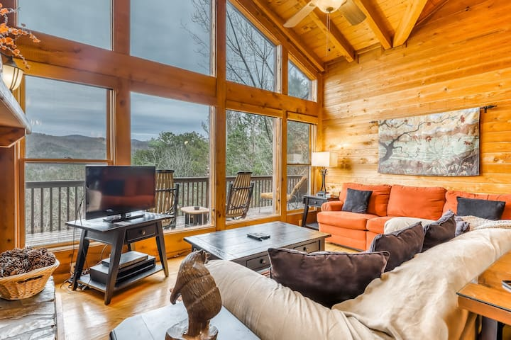 Inviting cabin w/ mountain views, private indoor hot tub, gas grill, & deck!