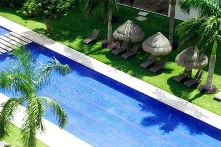 New Condo in Top Location Near the Beach ! - Cancún