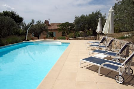3 bed villa with heated pool and stunning views - Callas