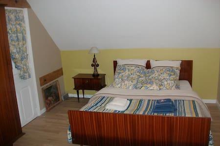 Sleep homestay in farmhouse - Le Sars - Penzion (B&B)