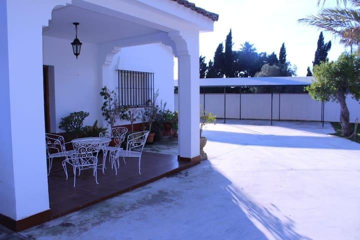Villa Carboneros