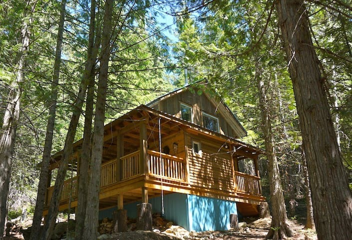 Logden Lodge - Cottonwood Cabin - Ymir - Kabin