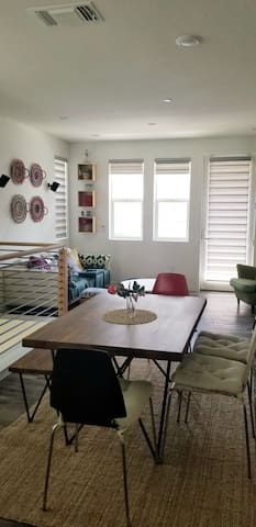 Modern 1 bedroom space near Great Mall/VTA station