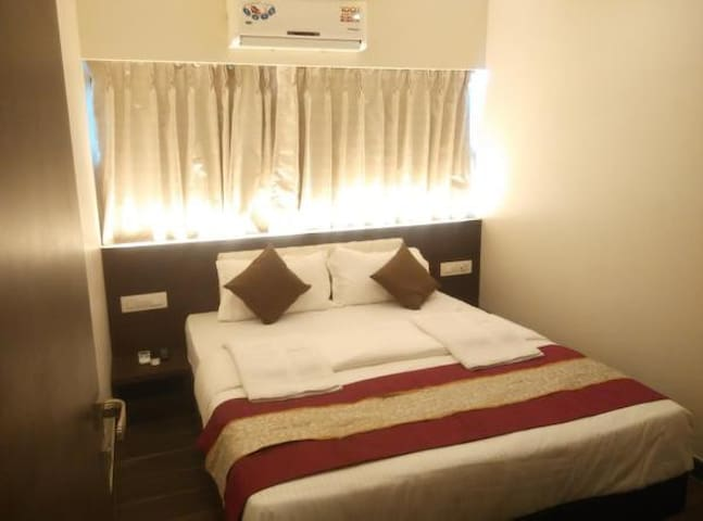 Deluxe Suite CP · Deluxe Suite Room with breakfast in Vasai East