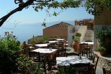 Monemvasia_city_castle_cafe