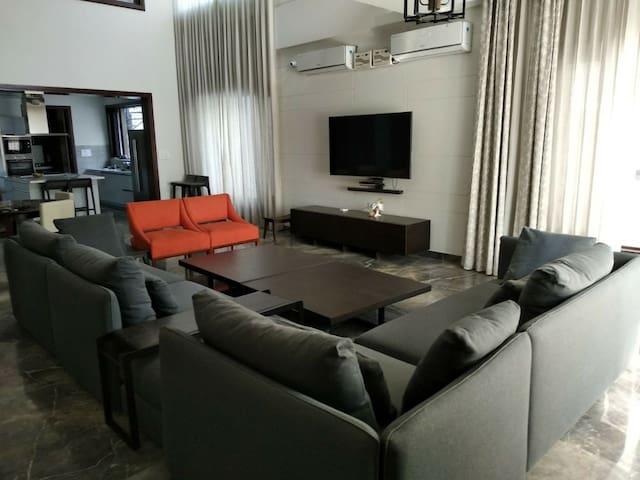 JJR Villa Private Room