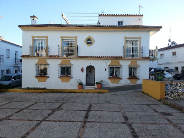 Townhouse with 6 beds - Sotogrande/Guadiaro - Guadiaro