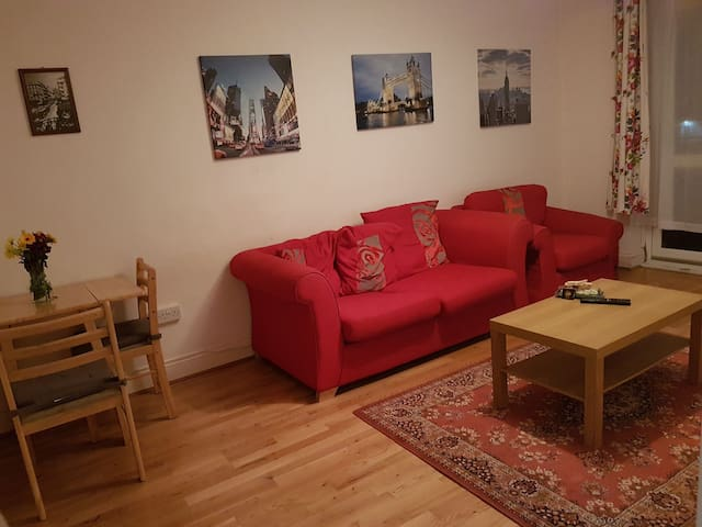 Nice and cosy 1 bed flat in London.
