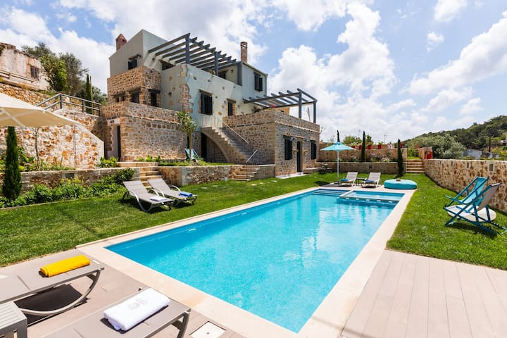 Villa Erondas near Rethymno with heated pool - Perama - Casa de camp