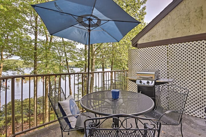 Lakefront Poconos Penthouse w/ Resort Amenities!