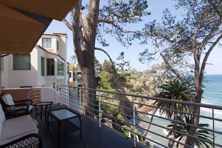Bedroom in Ocean view Estate - San Diego - House