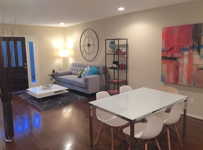 Chic Condo near Greenway/Galleria with Pool - Houston - Társasház
