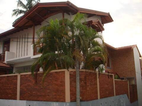 Sasenya's Villa - for great stay in Colombo
