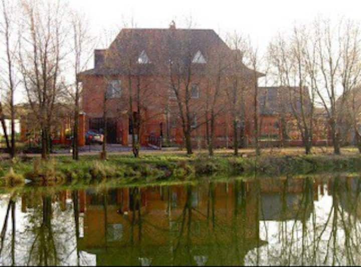 Большой дом на Истринском водохранилище