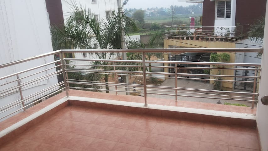 Room for 2+ guests (Fully furnished) - Bhubaneswar