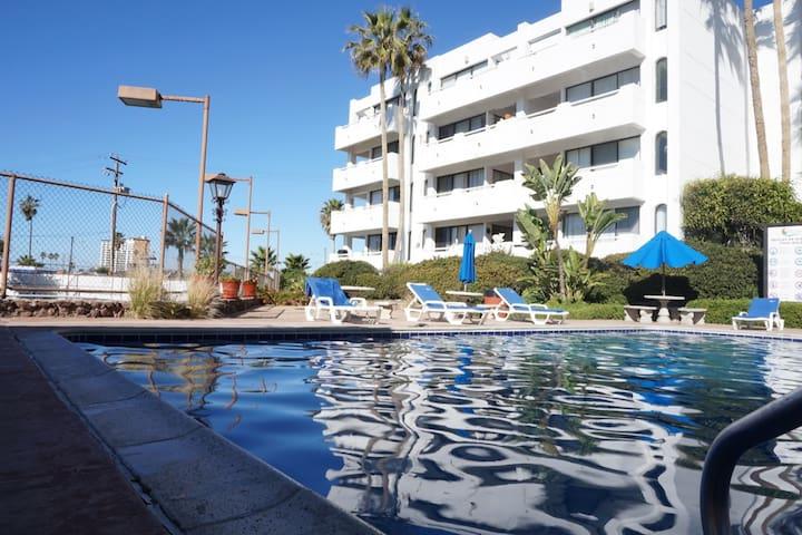 Pool with large capacity / Alberca con gran capacidad.