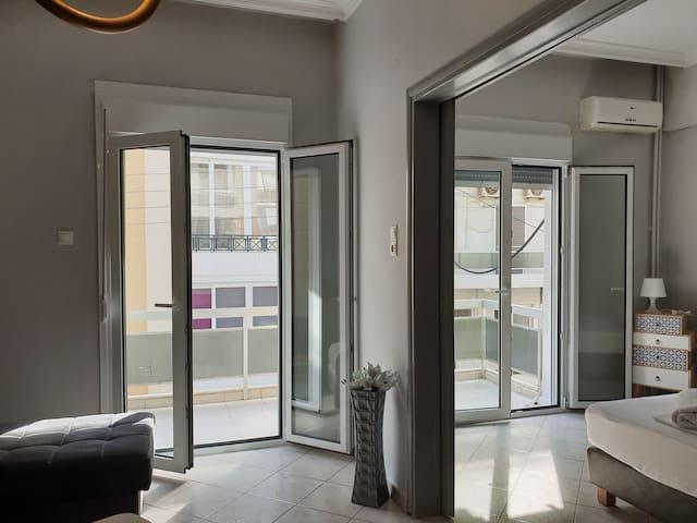 Smart Luxury Apartment Center 4 balconies
