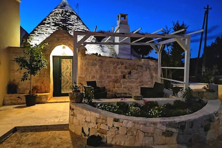 Trullo MADIA  with  shared JACUZZI