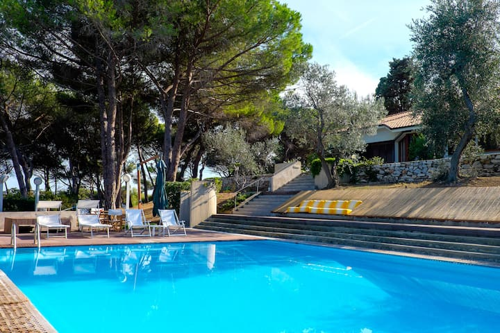 Villa Baia delle Sirene / Capo d'Arco - Capo D'arco - Bed & Breakfast