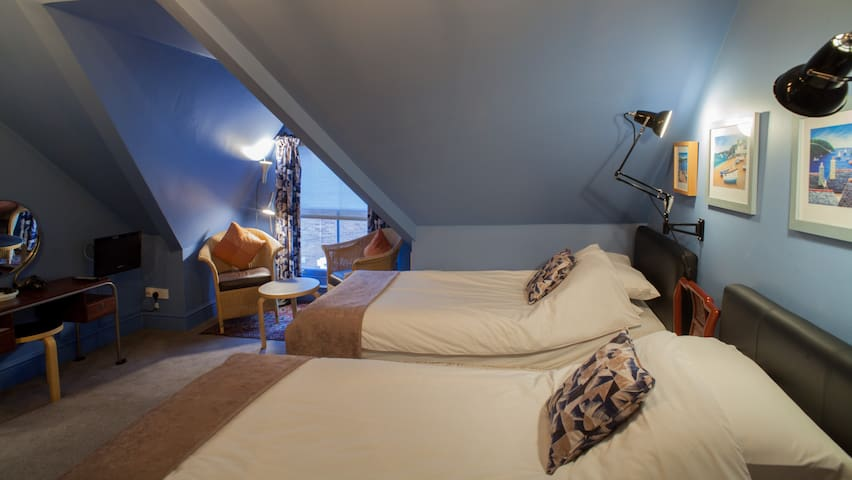 Twin room in dormer with street view @Hill View