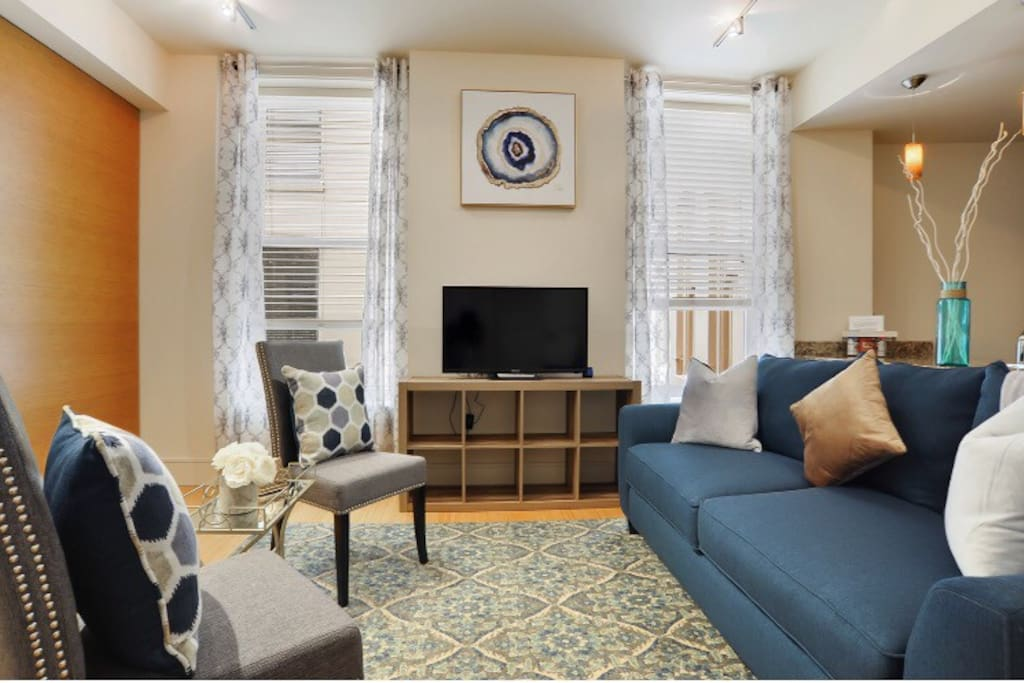 Large Living Room with tons of Seating