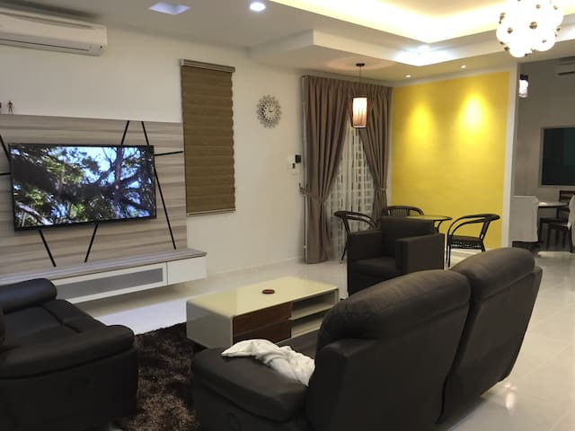 js homestay (繁华闹市的平静家园) - Bukit Mertajam - Huis