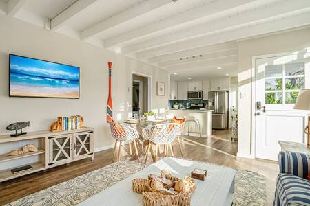 """Wave Pool"" House! 1 Block to Beach! Clean Remodel"
