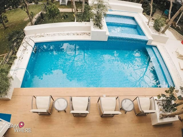 2 Family Room with pool Leisure Farm Resort  10pax