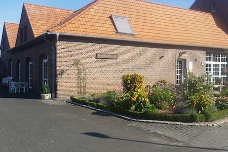 Adrianhof - Wohnung 1 - Brüggen