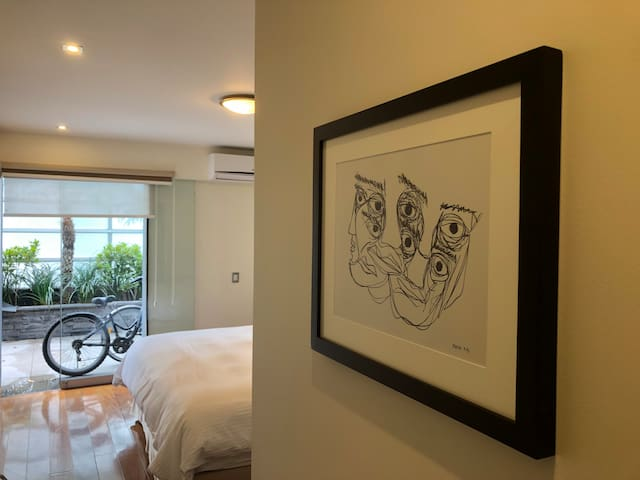 Bed&Breakfast. Room#1. MirafloresHub. 28deJulio