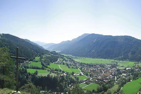 Appartement umgeben von Bergen - Schönberg-Lachtal - Ferienunterkunft