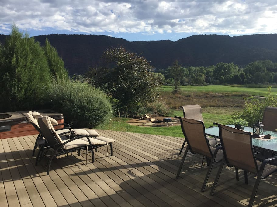 Base for diverse mountain recreation houses for rent in for Cabins for rent near glenwood springs
