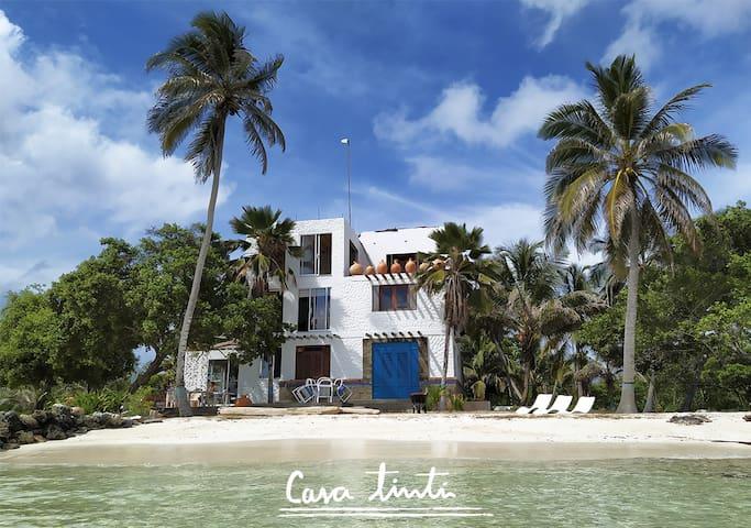 Casa Tinti, Casa hotel de playa Isla Tintipán