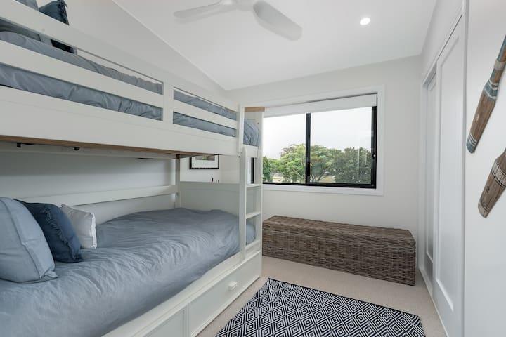Third Bedroom (bunk bed)